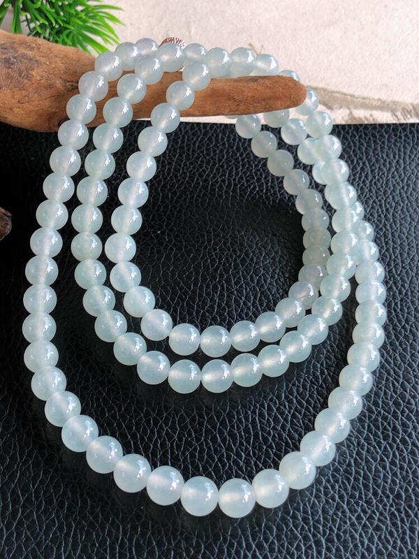 天然缅甸老坑翡翠A货圆珠子项链 ,料子细腻柔洁, 尺寸 珠子直径7mm ,珠子总数108颗,重量64