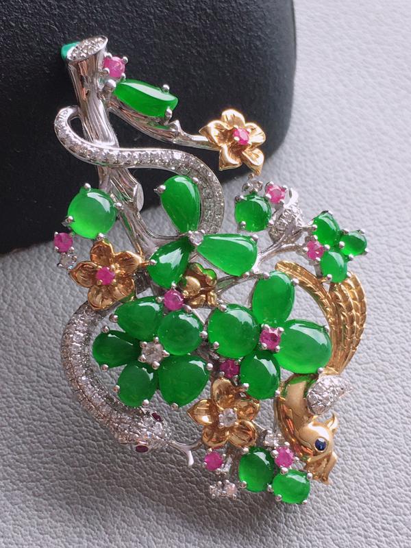 #自然光实拍# 满绿胸针 玉质细腻,种老起胶,种水好。18k金天然钻石彩宝镶嵌。