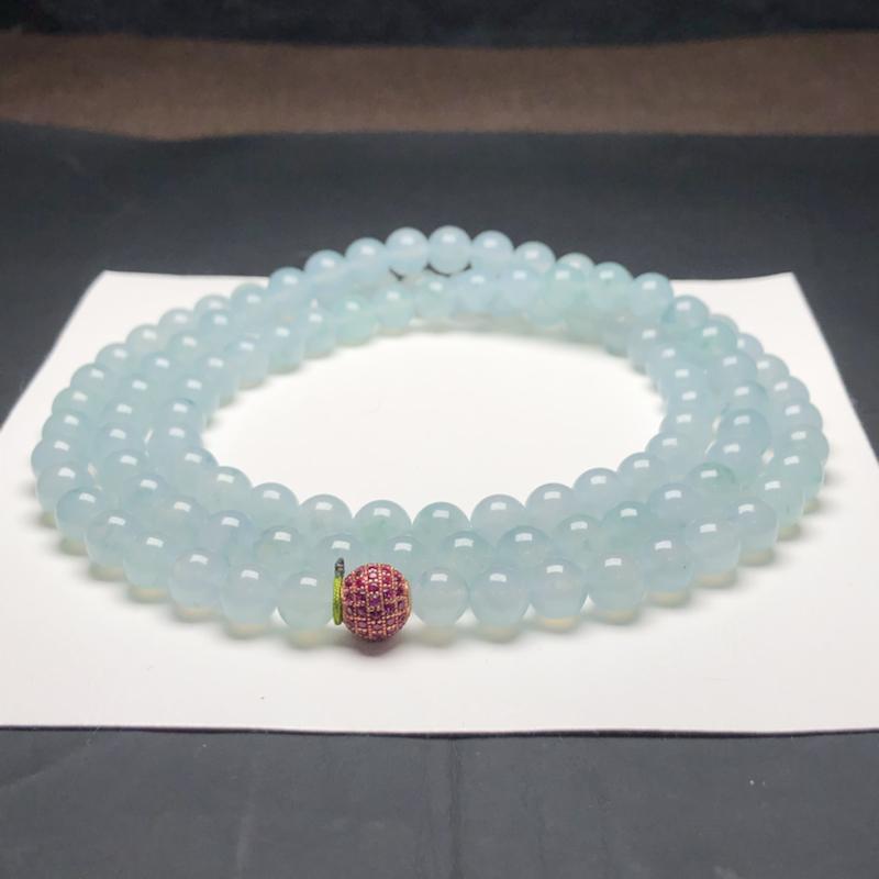 糯化种天空蓝翡翠珠链项链,108颗,直径8.1毫米,质地细腻,水润光泽,隔珠是装饰品,A031BCN