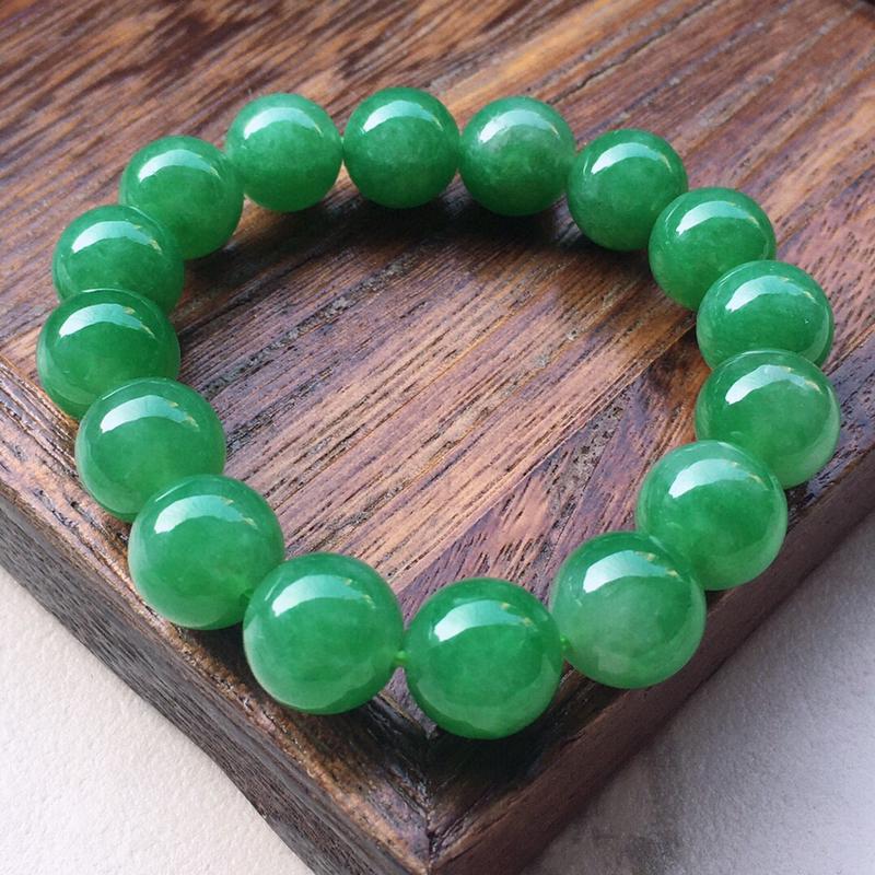 串珠手串,翡翠带绿圆珠手串,玉质莹润,佩戴佳品,单颗尺寸:12.3mm,重51.16克