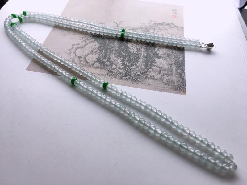 #自然光实拍# 算盘珠项链 玉质细腻,种老起胶。个别隔珠为配饰。颗数:198颗