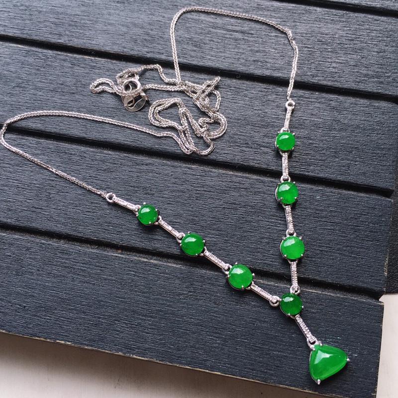 项链,翡翠18K金伴钻镶嵌满绿蛋面项链,玉质细腻,雕工精美,佩戴送礼佳品,包金尺寸:53.8*7*3