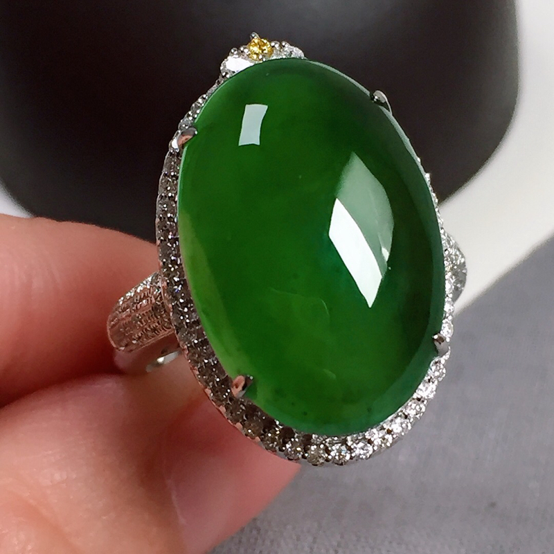 冰种满绿翡翠戒指,两用款,种水好,玉质冰透,色泽鲜艳,指圈:16#,尺寸:20.3-13.4-6