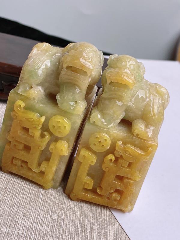 A货翡翠-种好黄翡貔貅一对印章,尺寸-72.9*40*35.8mm