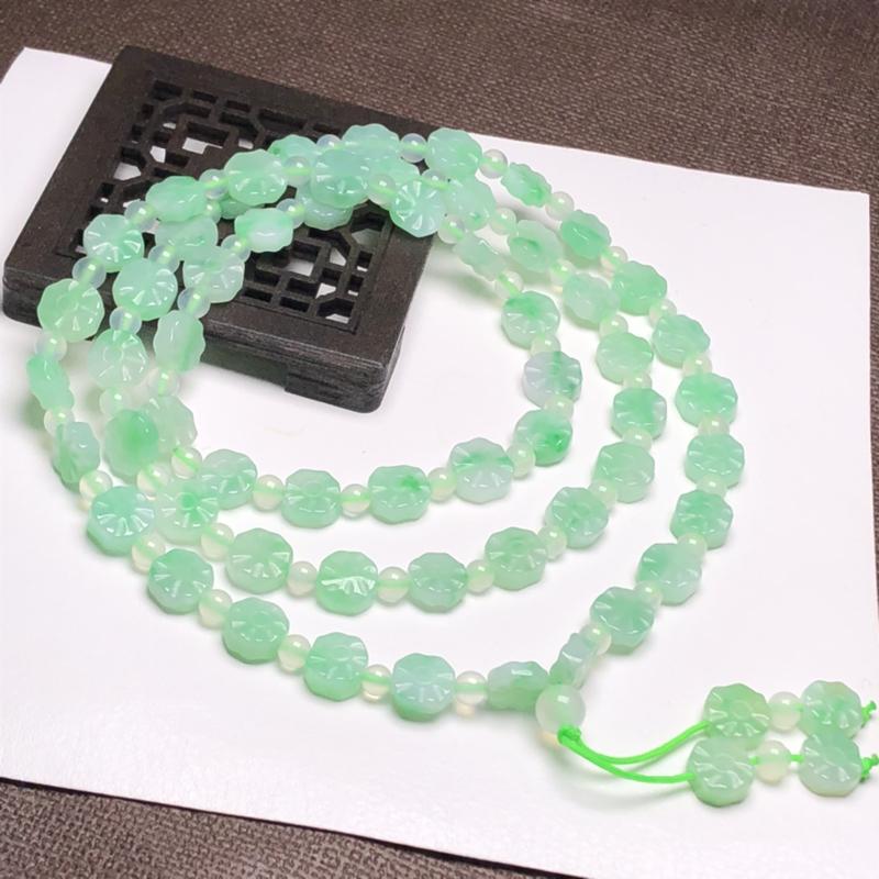 糯种果绿色太阳花翡翠珠链项链、58颗、直径8.1*3.4毫米、质地细腻、色彩鲜艳、A040ACM