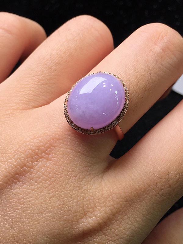 紫罗兰蛋面戒指,,玉质细腻,料子干净,莹润光泽,冰润通透,水头足,水润饱满,裸石:13.9*11.5