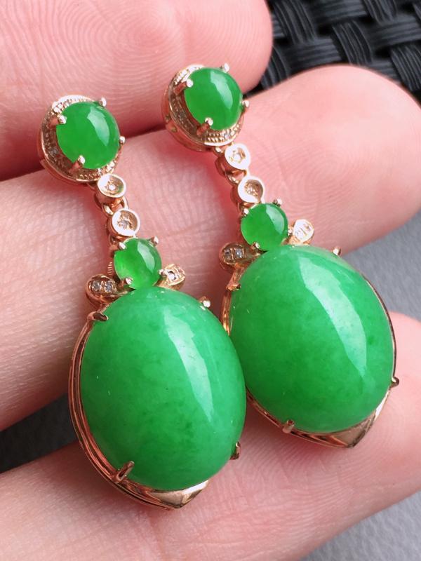 #自然光实拍#,阳绿耳坠,色泽鲜艳,料子细腻,裸石尺寸:14.0*11.5*5.5