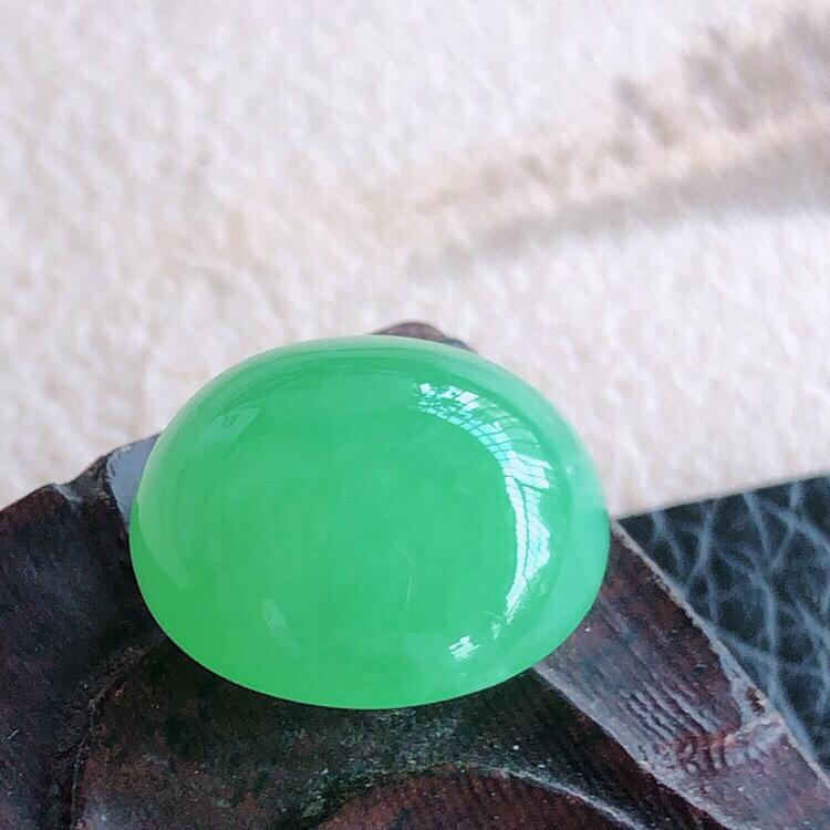天然缅甸老坑翡翠A货绿色蛋面裸石,可镶嵌戒指,吊坠,锁骨链,料子细腻柔洁,尺寸12.5/7mm,重量