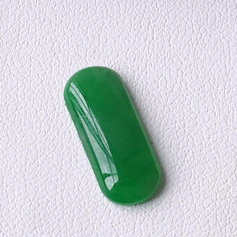 精品翡翠马鞍戒面,玉质莹润,佩戴效果更美,尺寸:玉:17.2*7*3MM,整体货品质量:0.7g