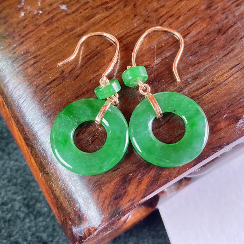 缅甸A货翡翠,满绿18k金伴钻平安环耳坠,玉质细腻,色彩迷人,水头足,佩戴效果好,尺寸-裸石14.2