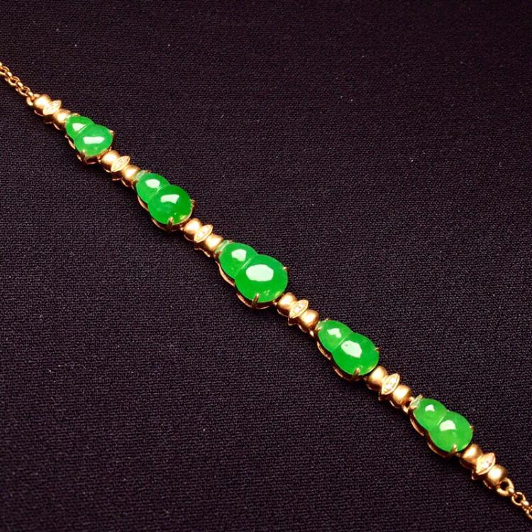 18K金钻精工镶嵌翠绿葫芦手链 玉质圆润细腻 色泽均匀艳丽款式优雅知性 时尚唯美 周长18 尺寸8.