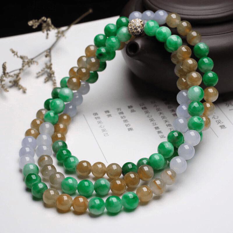 多彩翡翠珠链,共108颗珠子,取其中一颗珠尺寸大约7.1mm,圆润饱满,亮丽秀气,清秀高雅,佩戴效