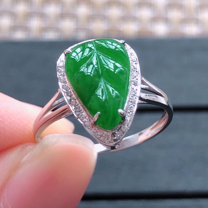 0512,18k金镶嵌满绿金枝玉叶戒指,裸石尺寸 : 11.5*7.7*3,总体尺寸:14.2*10