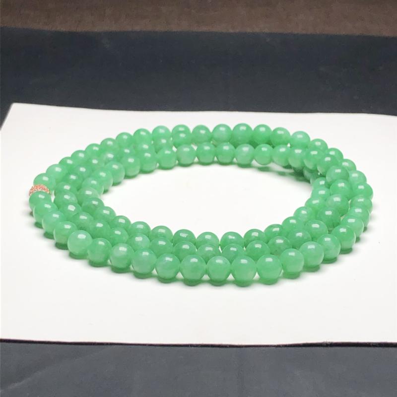糯种全绿翡翠珠链项链,108颗,直径6.3毫米,质地细腻,水润光泽,隔珠是装饰品,A099IHM