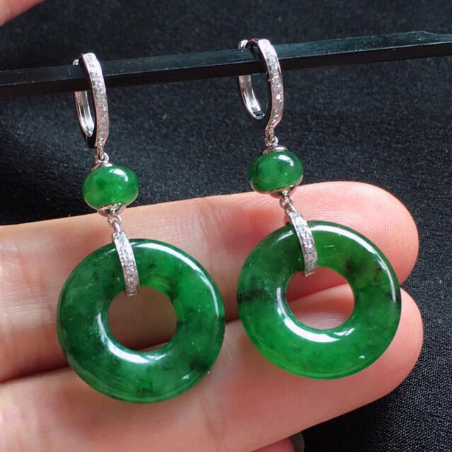 【值得推荐】好漂亮的绿圈圈耳扣,18K金伴钻镶嵌,尺寸40.3*19.1*4.2mm,简约美耐看