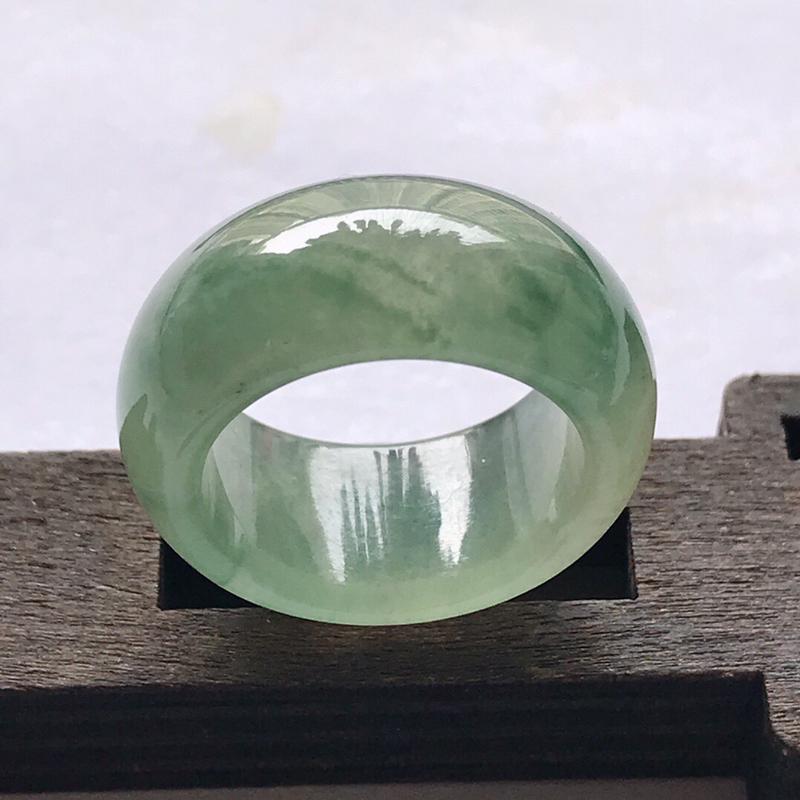 天然翡翠a货种水好福气飘花戒指料子细腻水润编号ll尺寸圈口16.6mm宽9.5厚3.6mm