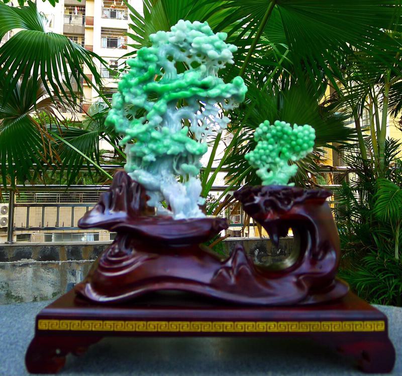 绿色发财树摆件 缅甸天然翡翠A货发财树摆件 绿色发财树摆件一套 雕工精美  种水好 特色 高档大气