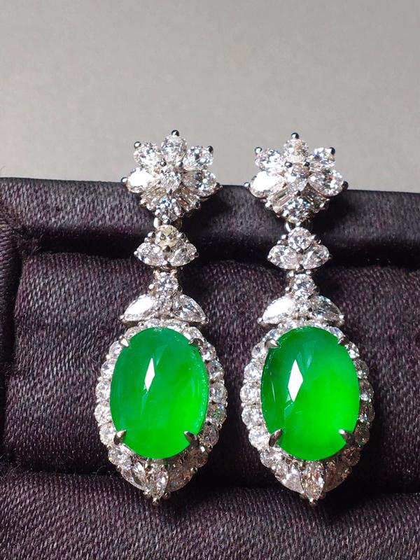 冰种阳绿耳坠,无纹无裂,镶嵌精美,起光,色泽艳丽,裸石尺寸10.3/7.5/5--31.5