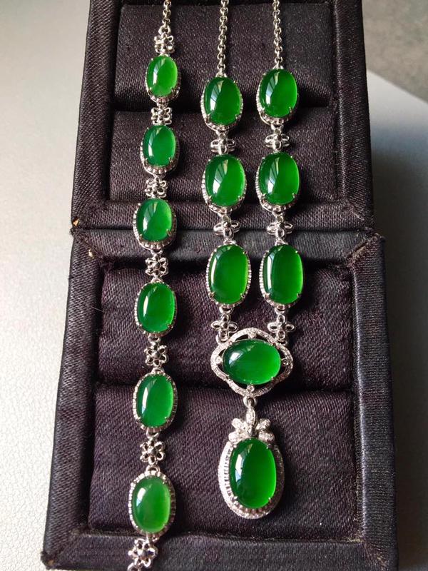 【高性价比】一套,冰种满绿套装,项链手链。色辣水润,无裂,项链裸石9/5.4/3--8.8/6.2