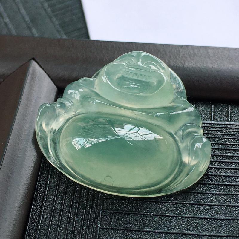 翡翠冰种晴水绿佛公吊坠,种水好玉质细腻温润,颜色漂亮。