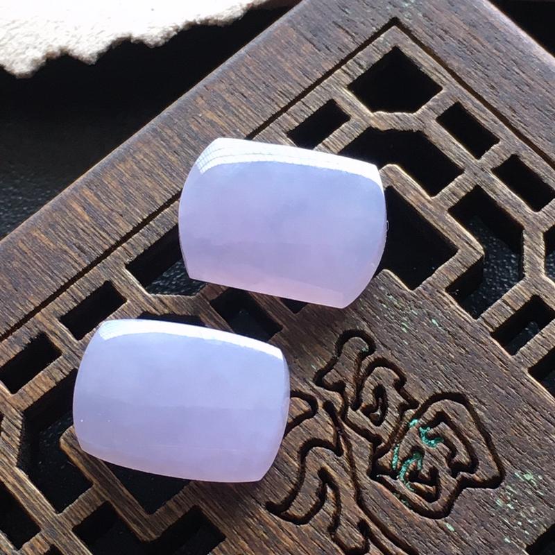 紫罗兰马鞍,一对,自然光实拍,缅甸a货翡翠,种好水润玉质细腻,雕刻精细,饱满品相佳,