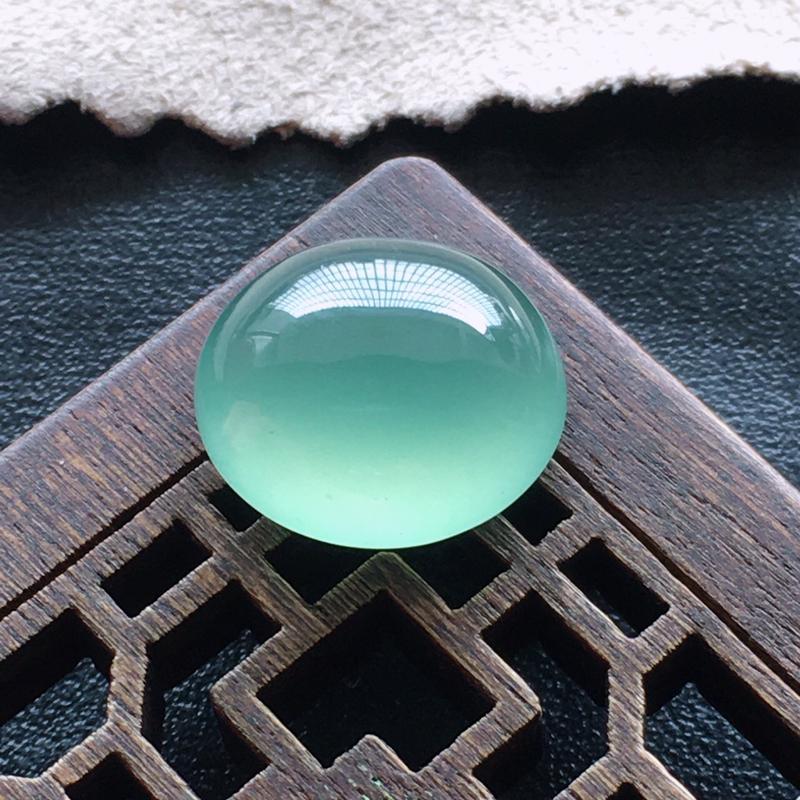 【超值推荐】晴水蛋面,自然光实拍,缅甸a货翡翠,种好通透,水润玉质细腻,雕刻精细,饱满品相佳,