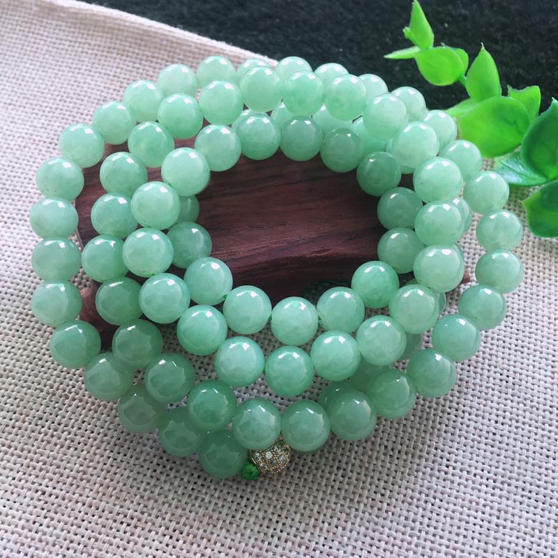翡翠满色油润油绿圆珠项链,翡翠佛珠玉链,色泽均匀,种老水足,玉质细腻,单珠8.7*mm,共88颗