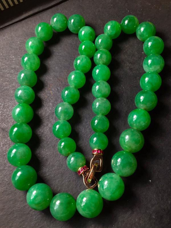绿珠链,水头足,色泽艳丽,水头足,无纹裂,裸石尺寸11.7/15共42个
