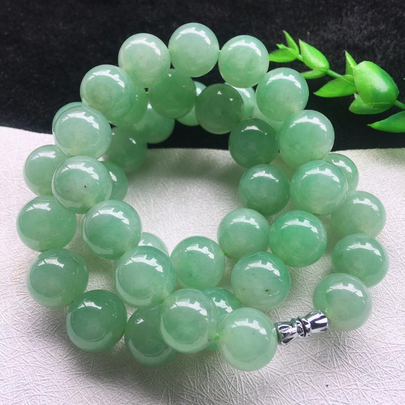 翡翠满色油润油绿圆珠项链,翡翠佛珠玉链,色泽均匀,种老水足,玉质细腻,单珠:12.8*mm,共42颗