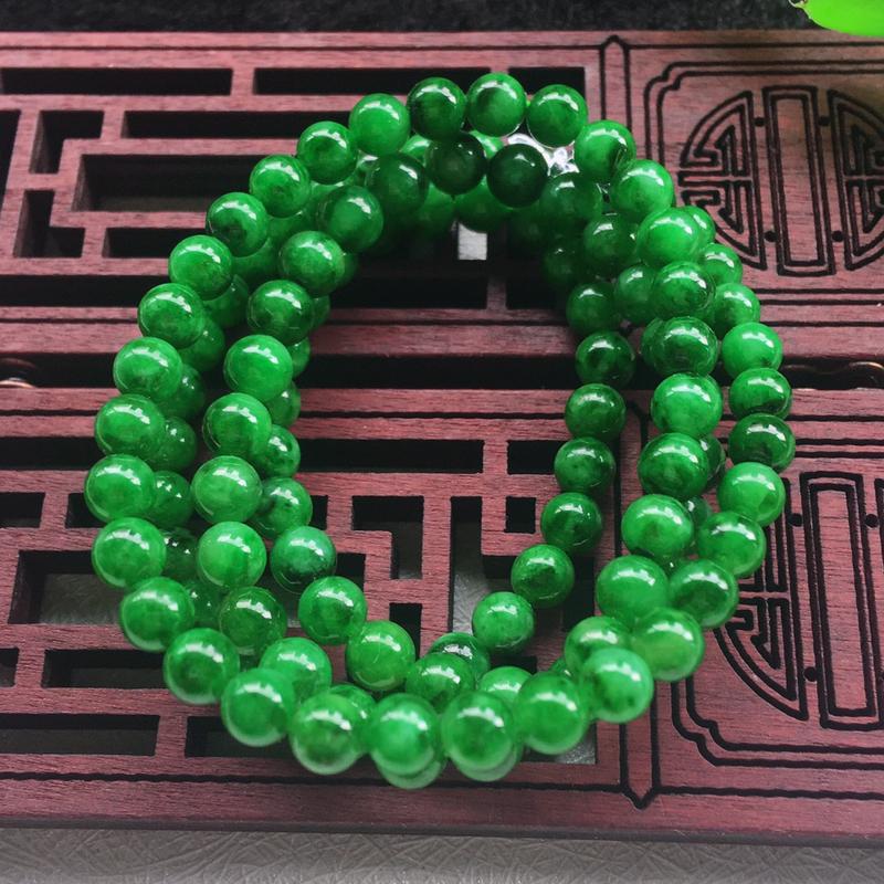 翡翠满色油润油绿细圆珠项链,翡翠佛珠玉链,色泽均匀,种老水足,玉质细腻,单珠:4.5mm,共109颗