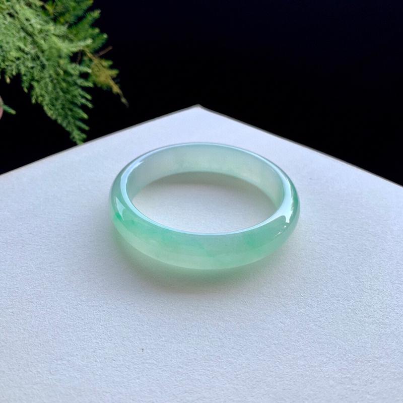 冰阳绿翡翠手镯,正圈59.5-13.5-7.7,水润,种老,无纹裂