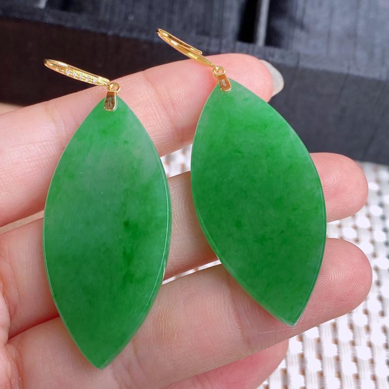 A货翡翠-种好满绿18k金伴钻水滴耳坠,尺寸-裸石46.1*20.6*3mm整体60.5*20.6*