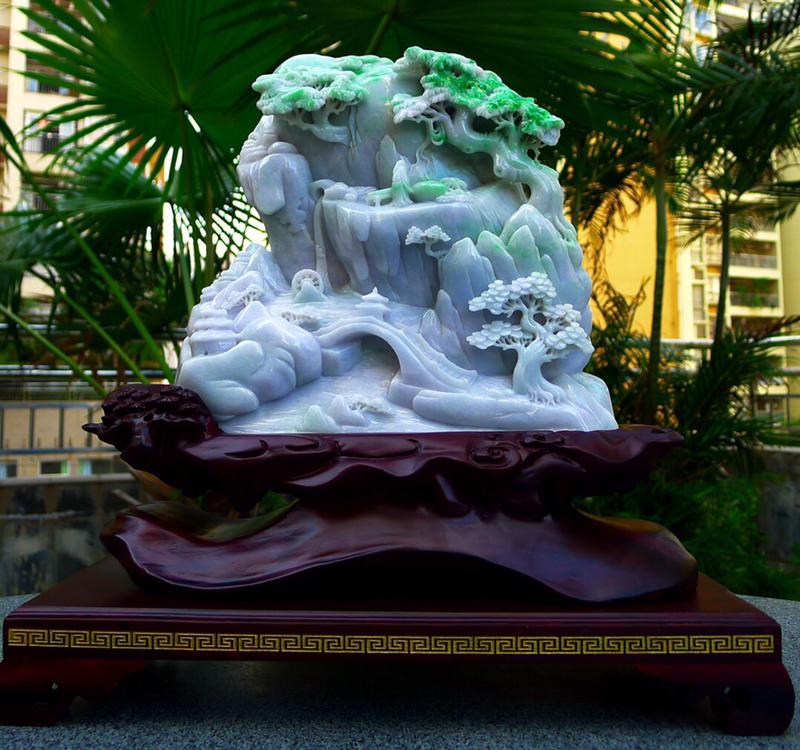 缅甸天然翡翠A货 精美 飘绿高山流水 山水摆件 雕刻精美线条流畅种水好 层次分明 工艺精湛 搭配精美