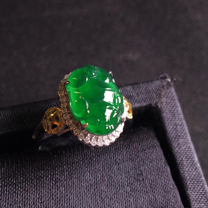18k金伴钻镶嵌满绿貔貅戒指,翠绿欲滴,种色俱佳,种好通透,胶感十足,裸石:12*9*4,整体:14