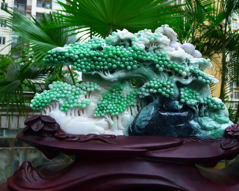 缅甸天然翡翠A货 盆景,精美 飘花 飘绿 高山流水 山水摆件 雕刻精美线条流畅种水好 层次分明 工艺