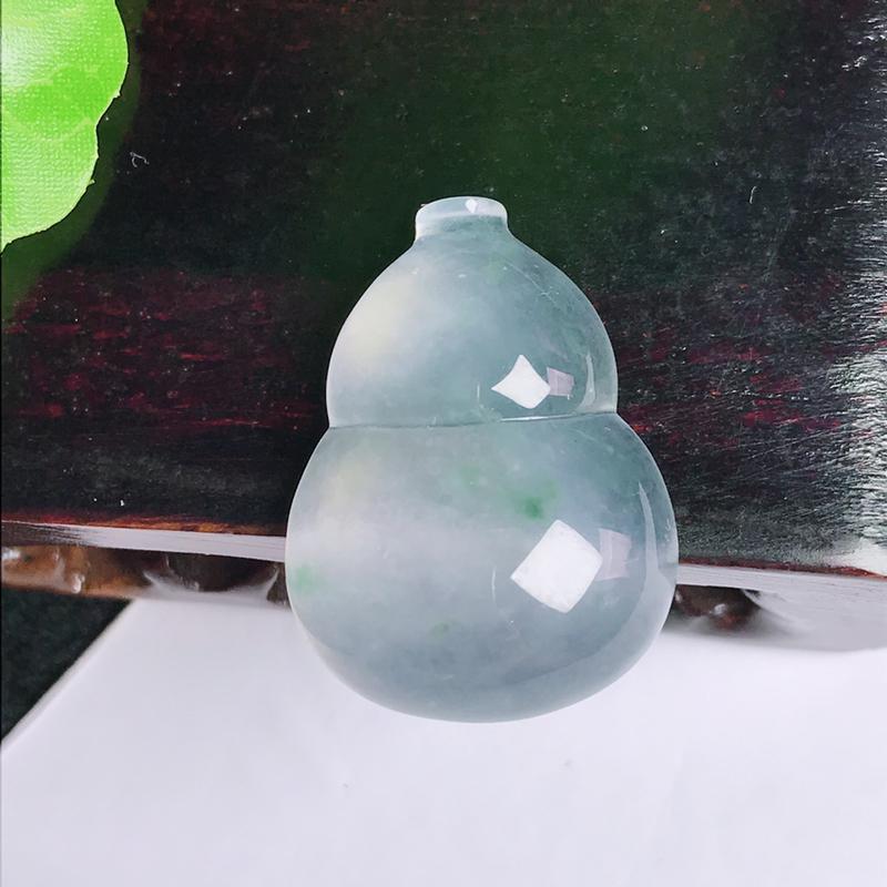 A货翡翠-种好冰飘花葫芦,尺寸-27.1*20.1*7.2mm