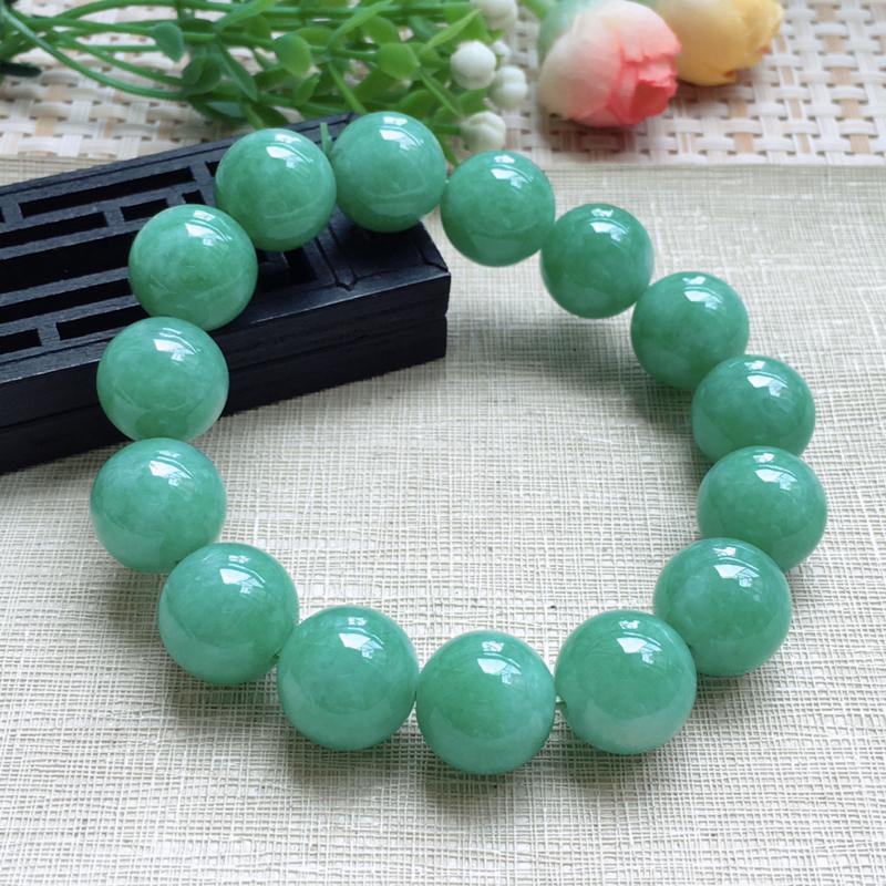 天然A货翡翠 【自然光拍摄】莹润满绿豆绿手珠链,满绿均匀,青翠明媚,饱满靓丽,佩戴效果贵气大方,珠子