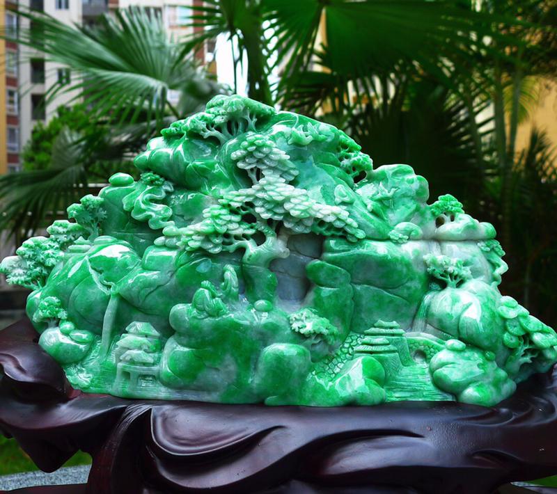 山水摆件 缅甸天然翡翠A货 精美 飘绿 高山流水 山水摆件 雕刻精美线条流畅种水好 层次分明 工艺精