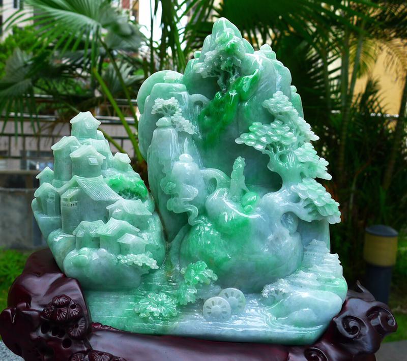 山水摆件 缅甸天然翡翠A货 精美 飘花绿 高山流水 山水摆件 雕刻精美线条流畅种水好 层次分明 工艺