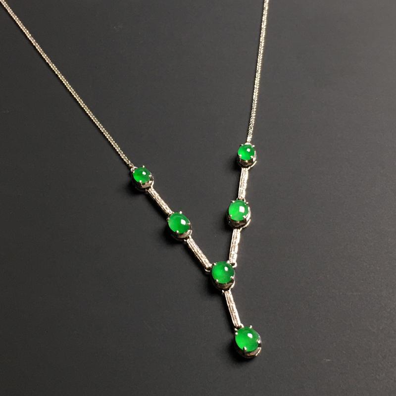 冰种满色戒面镶嵌女式项链 水润通透 翠色阳绿 款式时尚 裸石尺寸4.2-3.6-1.8毫米