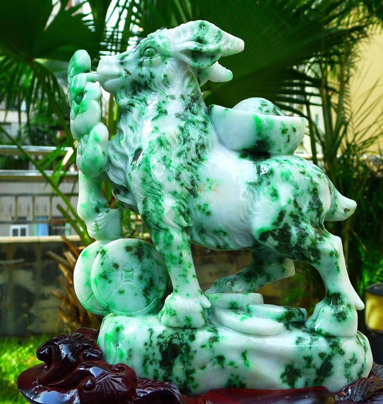 缅甸天然翡翠A货飘绿生肖羊摆件 精美水润 春带彩 在古代我们把