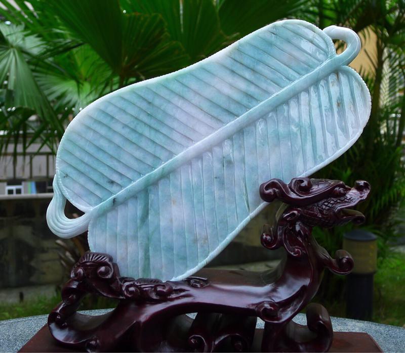 缅甸天然A货翡 精美飘花 一帆风顺 风生水起 扇子摆件 雕刻精美线条流畅 种水好 搭配精美高档檀木底