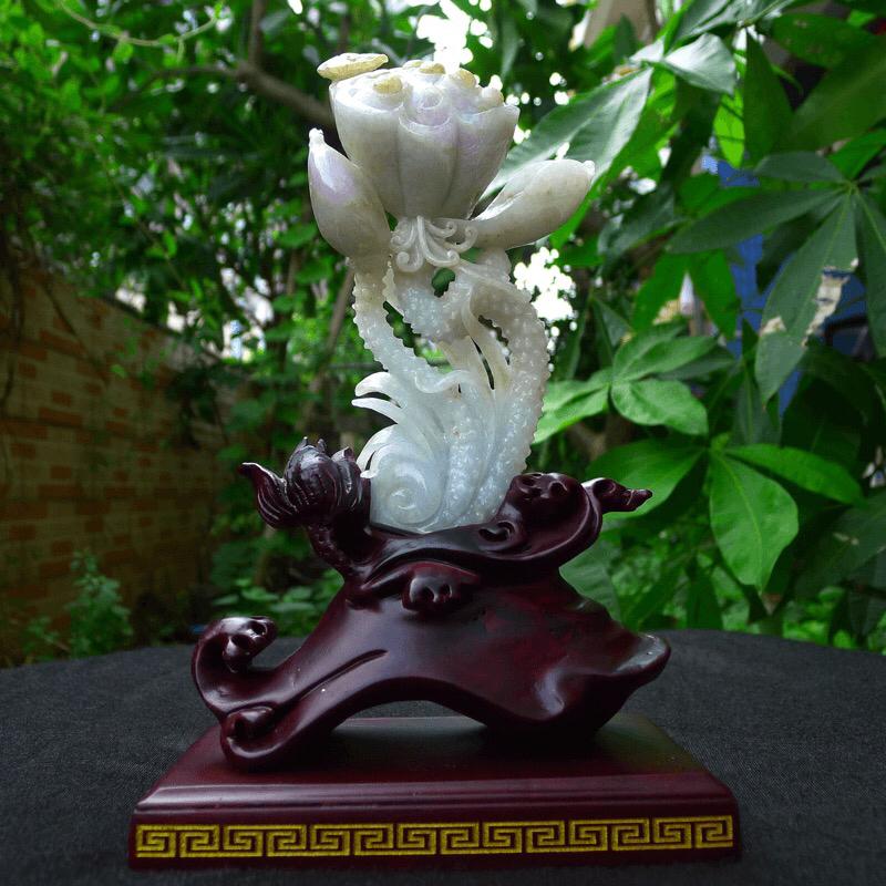 翡翠精雕莲蓬小摆件,莲生贵子,一品清廉,雕工精湛,裸石尺寸160/85/60mm,连底座230/14