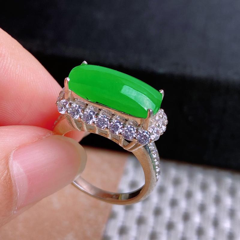 A货翡翠-种好满绿马鞍镶嵌件,尺寸-15.3*5.9*4.3mm