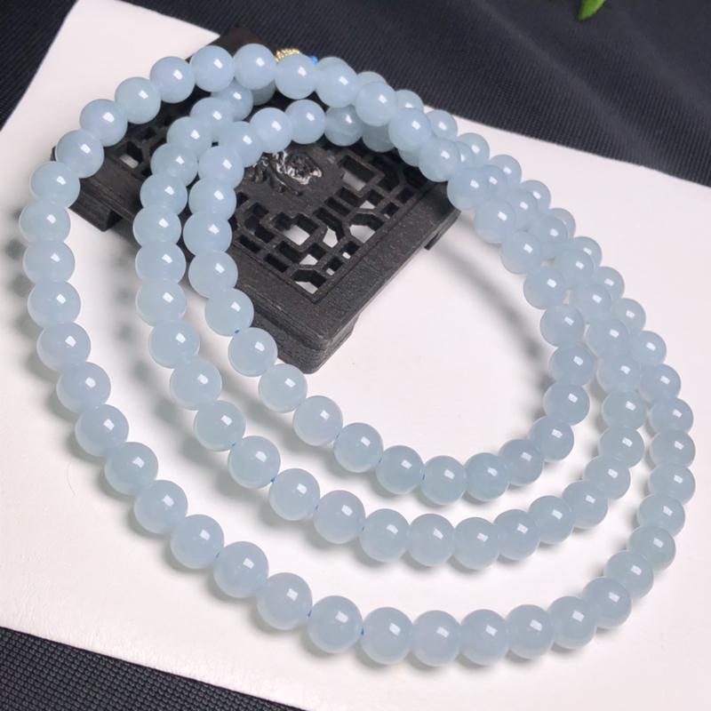 糯化种天空蓝翡翠珠链项链、108颗、直径7.6毫米、质地细腻、水润光泽、隔珠是装饰品、A042C20