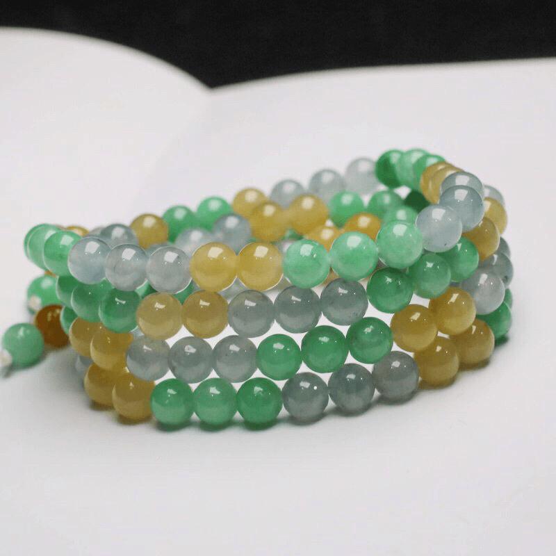 天然翡翠珠链,共115颗珠子,取其中一颗珠尺寸大约6.6mm,清秀高雅,实物漂亮,有天然杂质。佩戴