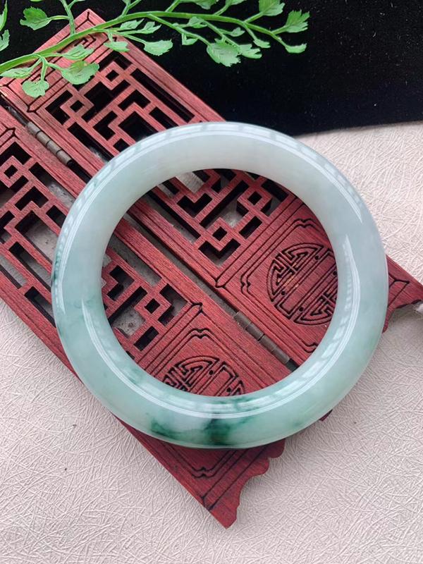 圆条54-55圈口老坑飘花缅甸天然翡翠A货手镯,尺寸54.8×10.6×10.8mm重量62.87g