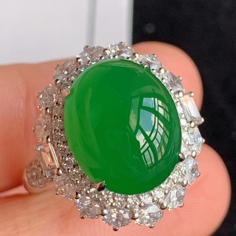翡翠a货18k金伴钻石豪华镶嵌冰糯种满绿蛋面戒指,金:19.9*17.5*14.1mm,石:13.5