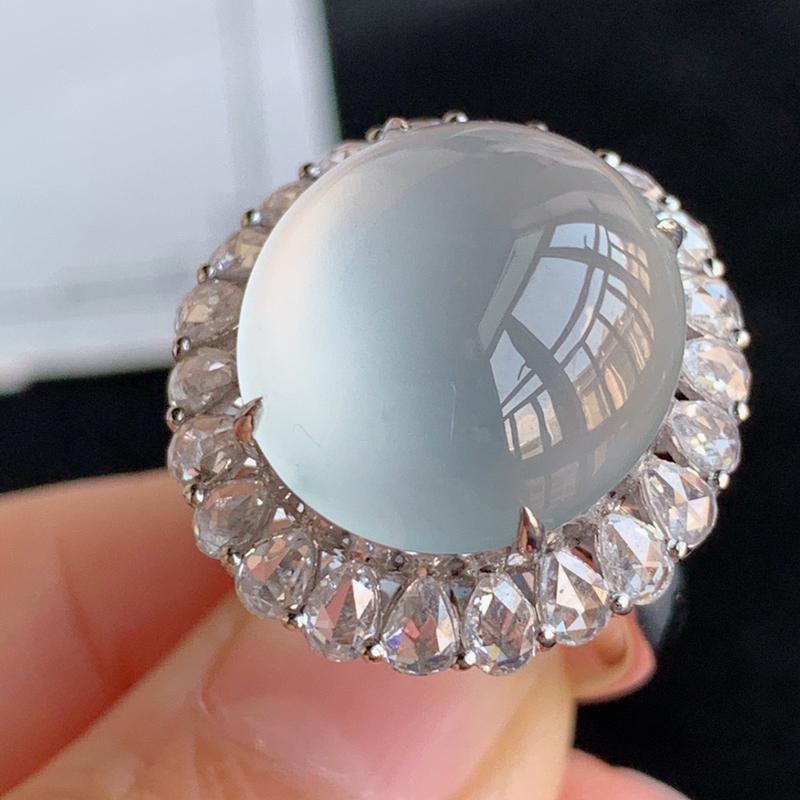 翡翠a货18k金伴钻石豪华镶嵌冰糯种白冰蛋面戒指,金:22*20.5*14.8mm,石:16.2*1