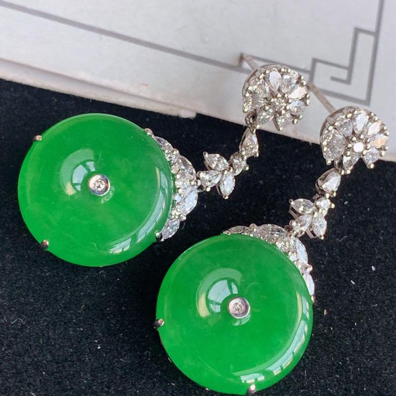 翡翠a货18k金伴钻石豪华镶嵌冰糯种满绿耳钉,31*15.5*6.7金:mm,石:15.5*4.3m